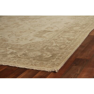 Fine Serapi Hand-Knotted Wool Ivory/Gray Area Rug