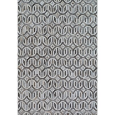 Natural Hide Gray/Ivory Area Rug Rug Size: Rectangle 116 x 146