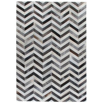 Natural Hide, Leather, Gray/White/Multi (136x176) Area Rug Rug Size: 116 x 146