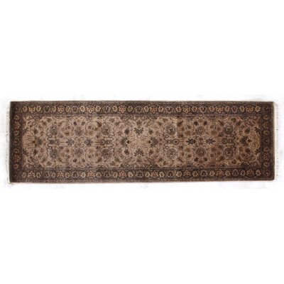 Agra Hand-Knotted Wool Wheat/Brown Area Rug Rug Size: Runner 26 x 8
