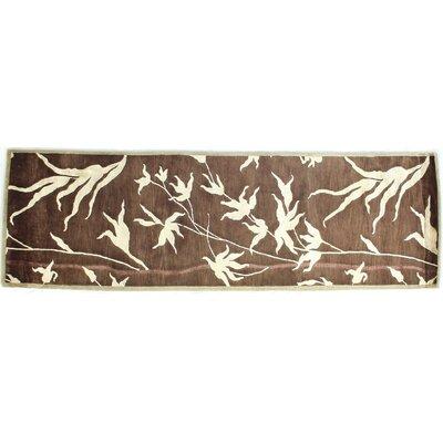 Milano, New Zealand Wool/Silk, Chocolate/Beige (26x8) Runner Rug Size: Runner 26 x 8