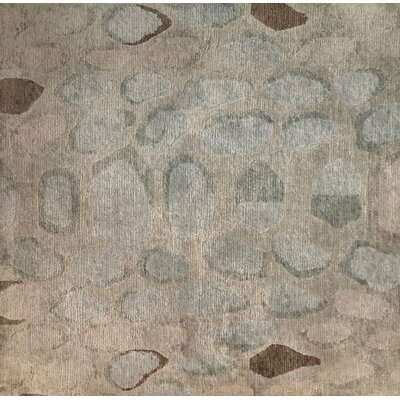 Metro-Velvet Hand-Knotted Light Green Area Rug