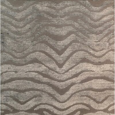 Metro-Velvet Hand-Knotted Light Gray Area Rug