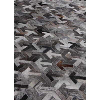 Natural Hand-Woven Cowhide Gray/Black Area Rug Rug Size: Rectangle�96 x 136