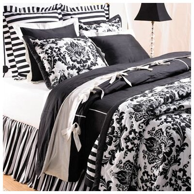 Damask Quilt Color: Black, Size: King