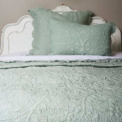 Aleah Silk Quilt Size: California King