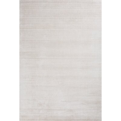 Charm Hand-Loomed White Area Rug Rug Size: 5'7
