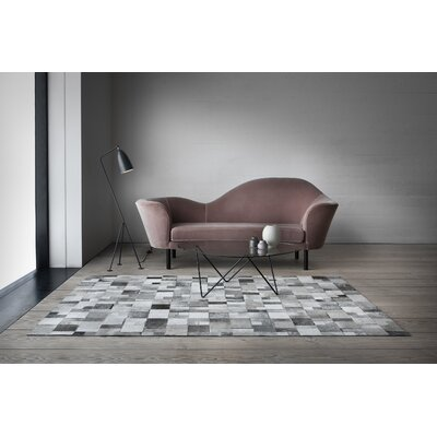 Brilliant Knotted Grey Area Rug Rug Size: 66 x 98