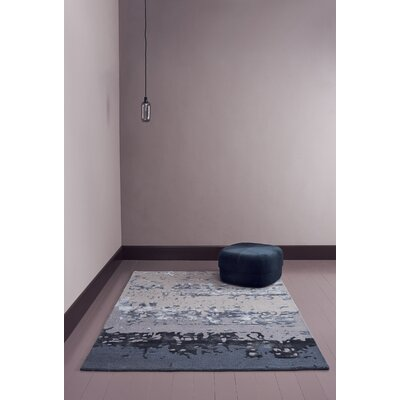 Varese Hand-Loomed Gray Area Rug Rug Size: 66 x 98
