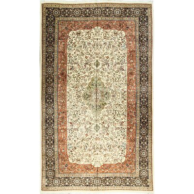 Guarded Island Overview Hand-Woven Wool Ivory/Red Area rug