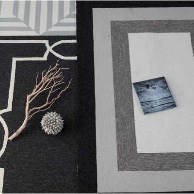 Hamptons Madison Hand Hooked Onyx Indoor/Outdoor Area Rug Rug Size: Rectangle 8 x 11