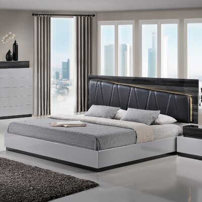 Lexi Upholstered Platform Bed Size: King