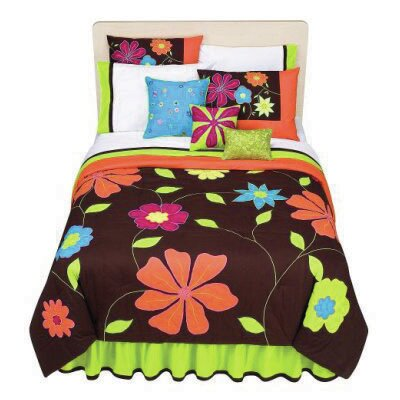 Valley of Flowers Comforter Set Size: Full/Queen