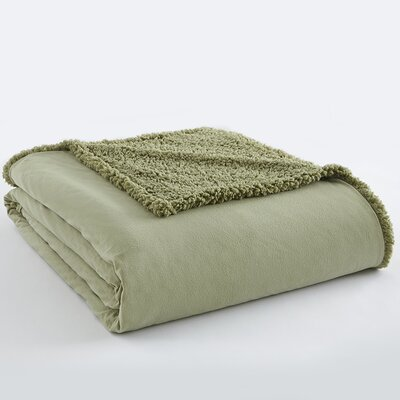 Micro Flannel Sherpa Blanket Size: King, Color: Meadow