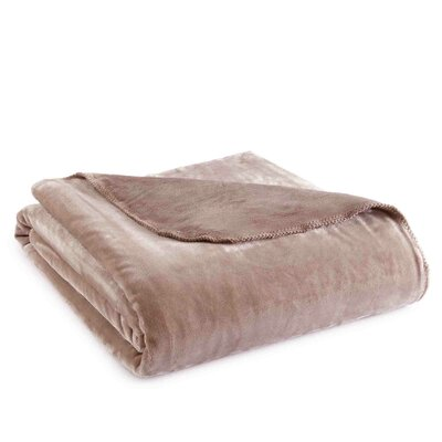 Ultra Throw Blanket Size: Twin, Color: Latte