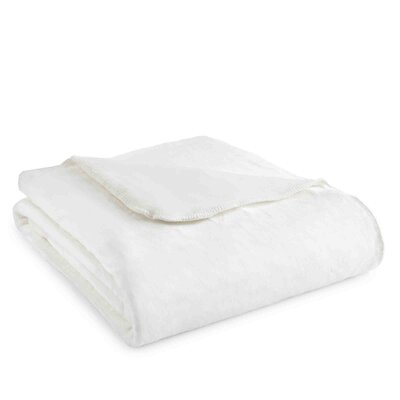 Ultra Throw Blanket Size: Twin, Color: Winter White