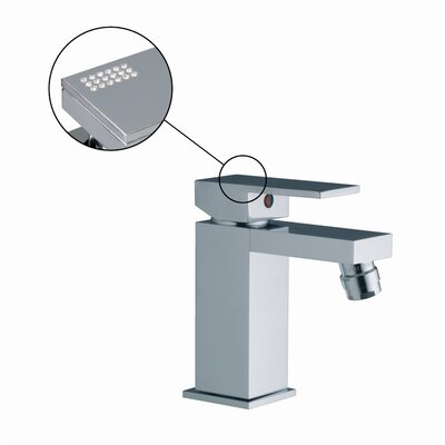 Brick Single Handle Horizontal Spray Bidet Faucet Finish: Chrome
