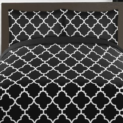 Trellis Comforter Set Color: Black and White, Size: Twin