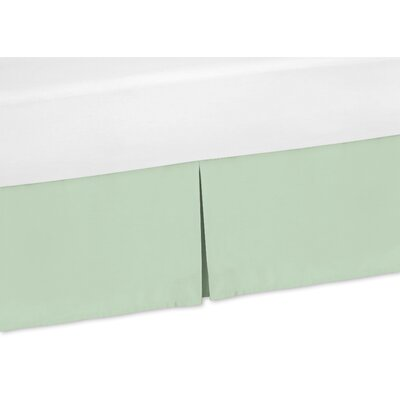 Mod Arrow 200 Thread Count Bed Skirt Size: Queen, Color: Gray/Coral/Mint