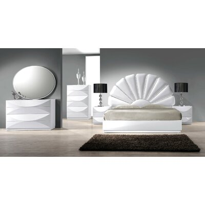 Paris Bedroom Matelass� Collection