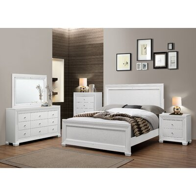 Bobington Panel Customizable Bedroom Set