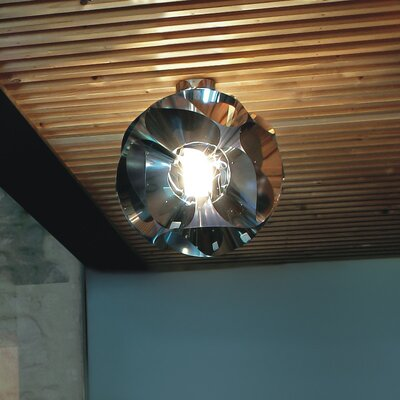Floral Flush Mount in Chrome Size: 7.75 Dia / 1 x 35W Halogen bulb - G9 base
