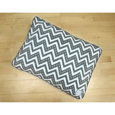 Fair Isle Crate Rectangle Pet Bed Size: Medium (30 W x 21 D)