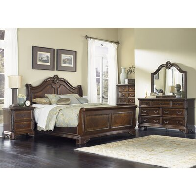 Highland Court Panel Customizable Bedroom Set