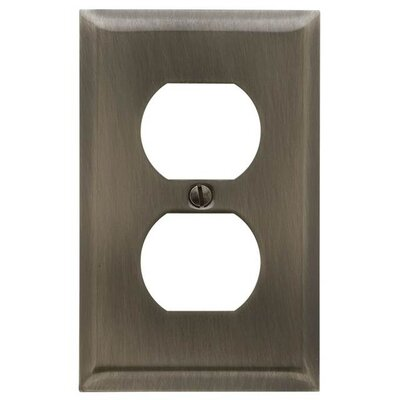 Single Outlet Beveled Switch Plate