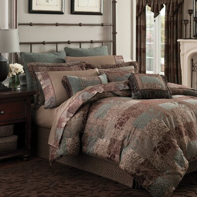 Galleria Duvet Cover Size: King, Color: Red