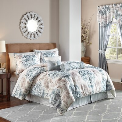 Kinsley Comforter Set Size: King