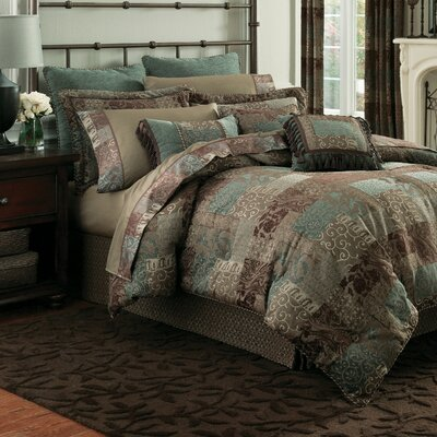 Galleria 4 Piece Reversible Comforter Set Size: King