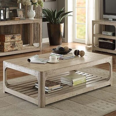 Hartford Coffee Table Size: Compact