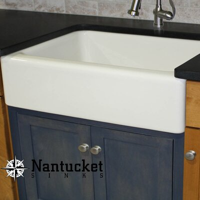 Cape 29.75 x 18 Fireclay Farmhouse Kitchen Sink Offset Drain with Grid Finish: White
