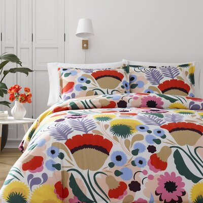 Ojakellukka Reversible Duvet Cover Set Size: King
