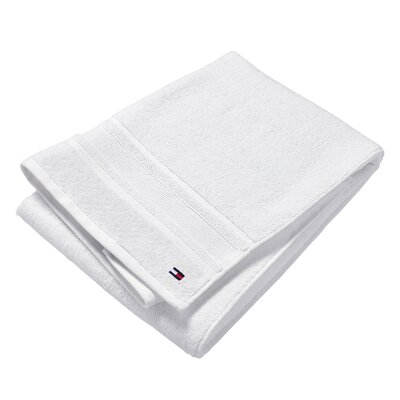 Signature 6 Piece Towel Set Color: White