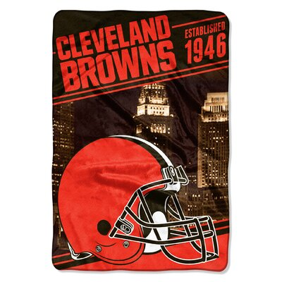 NFL Browns Stagger Throw