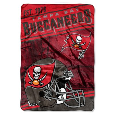 NFL Buccaneers Stagger Throw