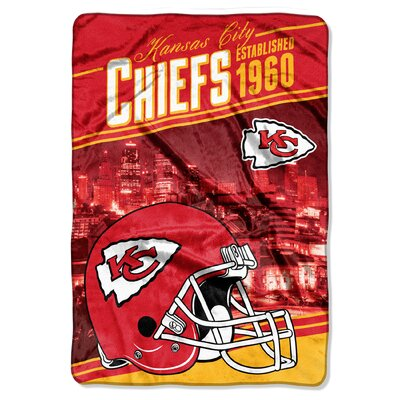NFL Chiefs Stagger Throw