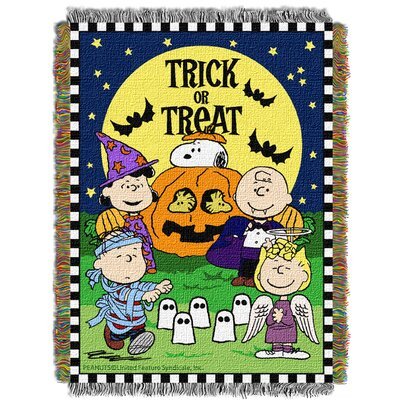 Peanuts Spooky Gang Throw