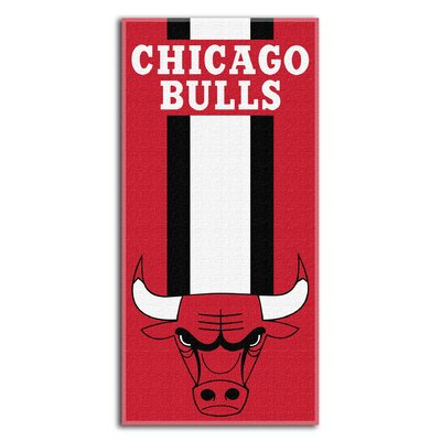 NBA Zone Read Beach Towel NBA Team: Bulls