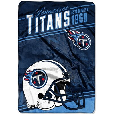 NFL Titans Stagger Throw
