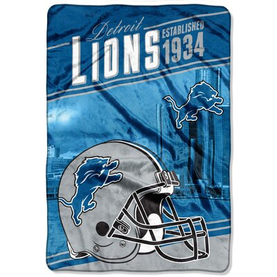 NFL Lions Stagger Throw
