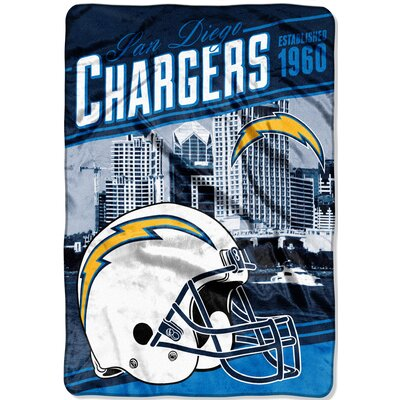 NFL Chargers Stagger Throw