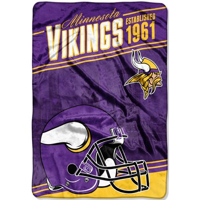 NFL Vikings Stagger Throw