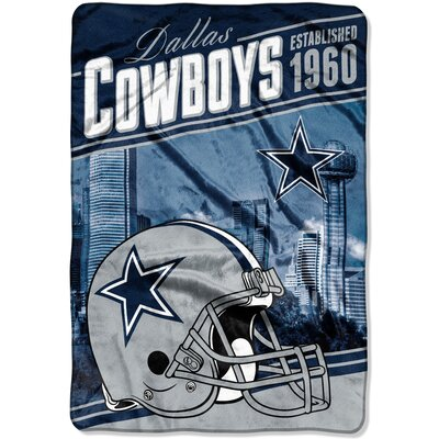 NFL Cowboys Stagger Throw