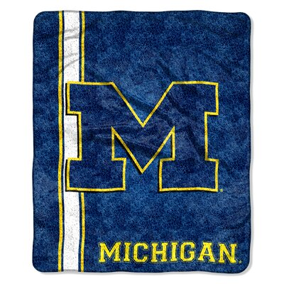 College NCAA Michigan Sherpa Throw