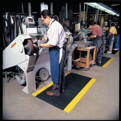 Cushion Trax Utility Mat Color: Black/Yellow, Size: Runner 2 x 75