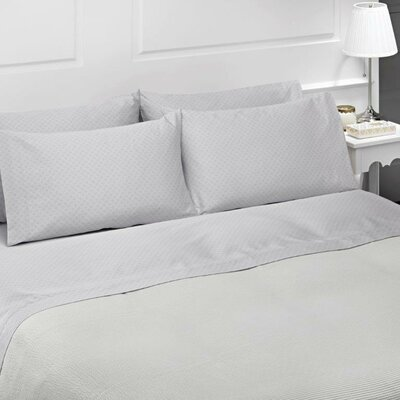Diamond 4 Piece 300 Thread Count 100% Cotton Sheet Set  Size: Queen