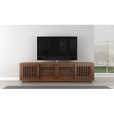 Signature Home TV Stand Color: Warm Honey Oak